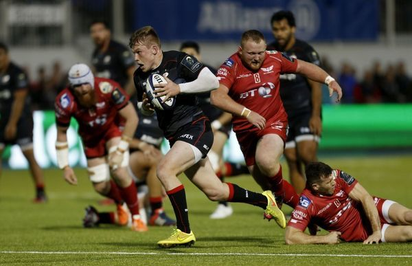 Saracens' Nick Tompkins breaks through to score their second try during the European Champions Cup, Pool Three match at Allianz Park, London
