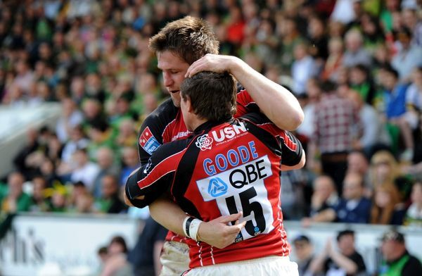 Saracens' Ernst Joubert (back) is congratulated by team mate Alex Goode after scoring the first try of the game